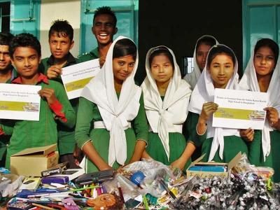 """Schüler aus Bangladesch sagen Danke an """"Stifte stiften"""""""