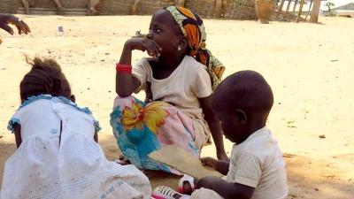 Kinder in Gambia - Stifte stiften und GAMBIAid helfen
