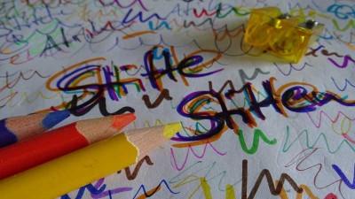 """""""Stifte stiften"""" testet die Stifte"""