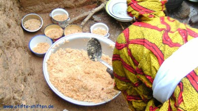 Togo - Jeder Stift trägt dazu bei, dass mehr Geld für Lebensmittel zur Verfügung steht