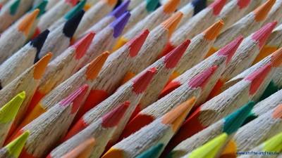 Buntstifte in allen Farben spenden und schenken