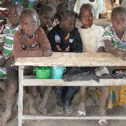 Vorschaubild: Pressefoto Bild 01 - Schüler aus Béma in Burkina Faso