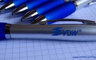 VDW GmbH spenden Kugelschreiber für Kinder in Afrika