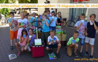 Klasse 4c der Tiebauthschule für Stifte stiften