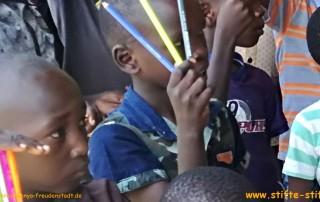 Stifte für Aidswaisenfamilien