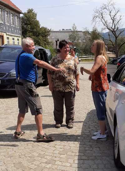 Anton, Barbara und Heidi. Stifte für Togo