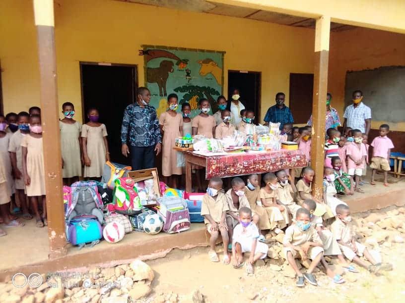 Stifte und Papier für Togo